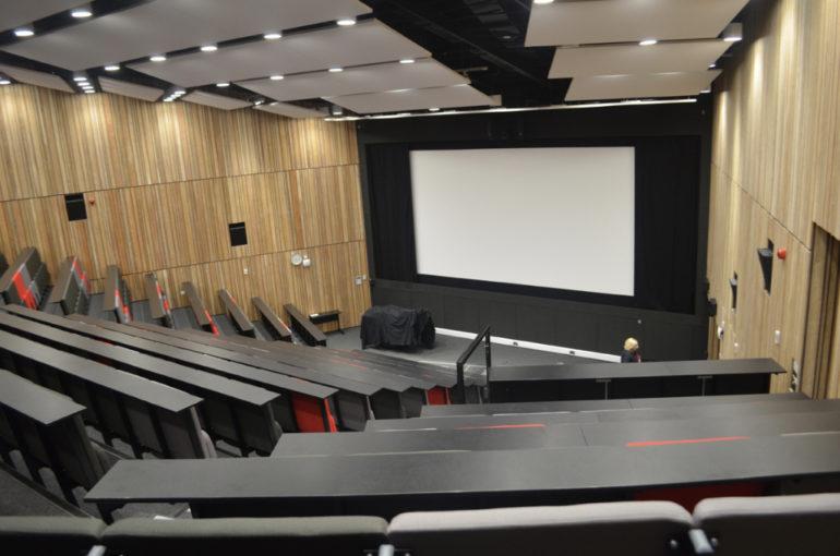 Reading film theatre