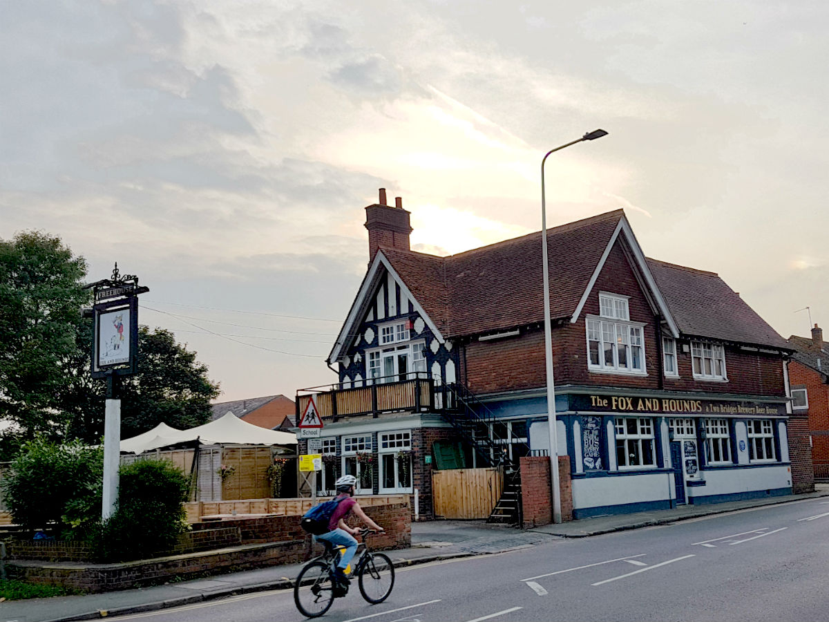 Fox and Hounds pub Caversham