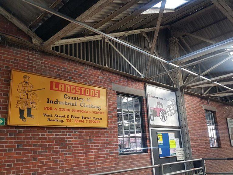 Langstons Signage