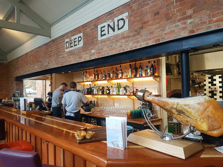 Thames Lido bar